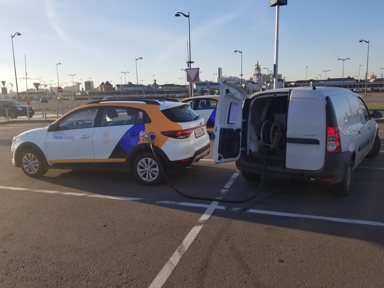 Заправка автомобиля Яндекс Драйв: 2 способа
