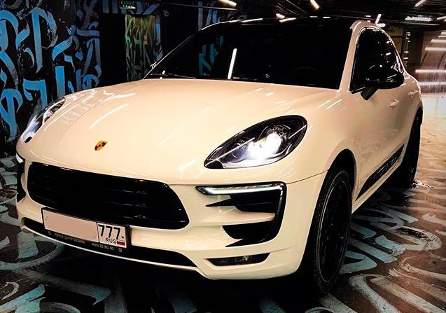 Porsche Macan Yandex Drive